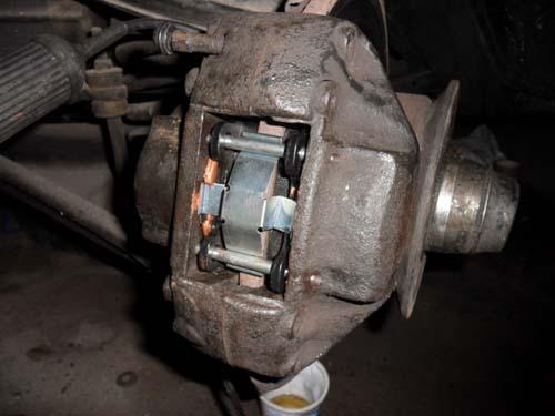 Bremssattel Mercedes Benz W114 W115 /8 vorne