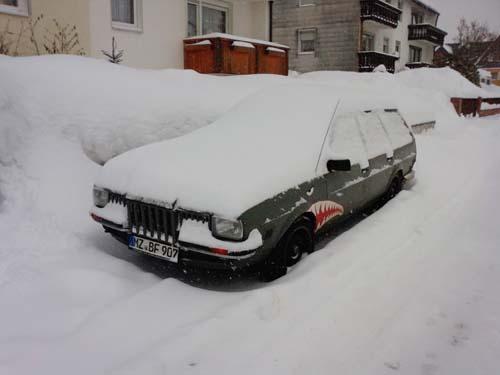 VW Passat 32B im Schnee